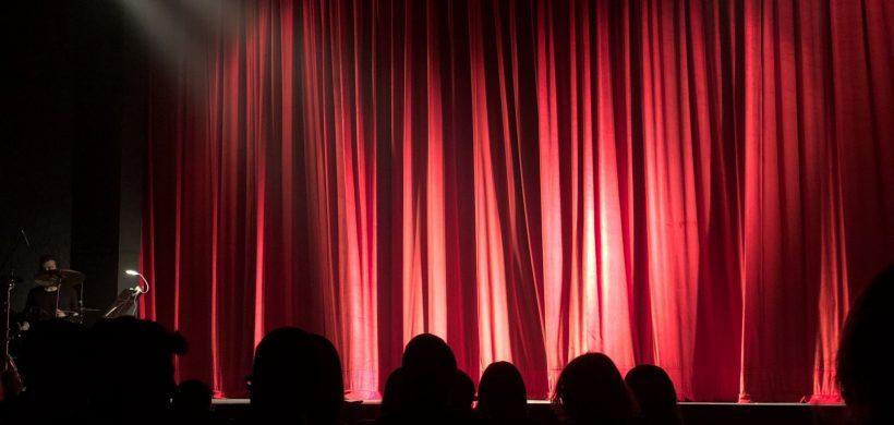 "Teatro ""La casa de Angosto Arteagabeitia"""